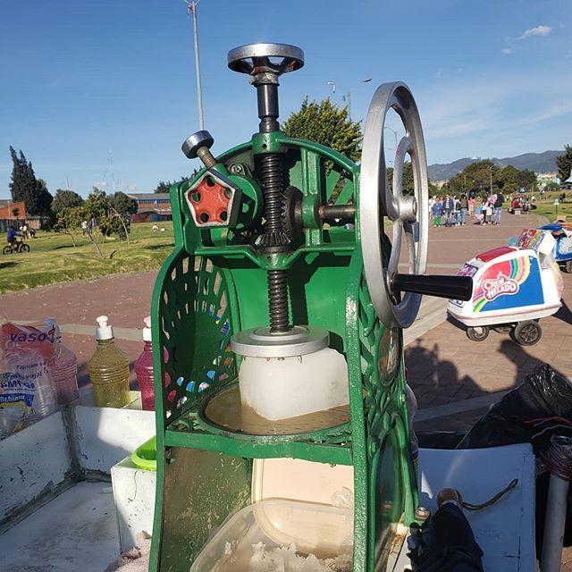 Esta máquina para hacer raspados. -- #Envíadeextinción