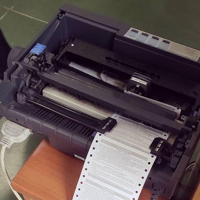 Impresora de papel con huequitos #Envíadeextinción