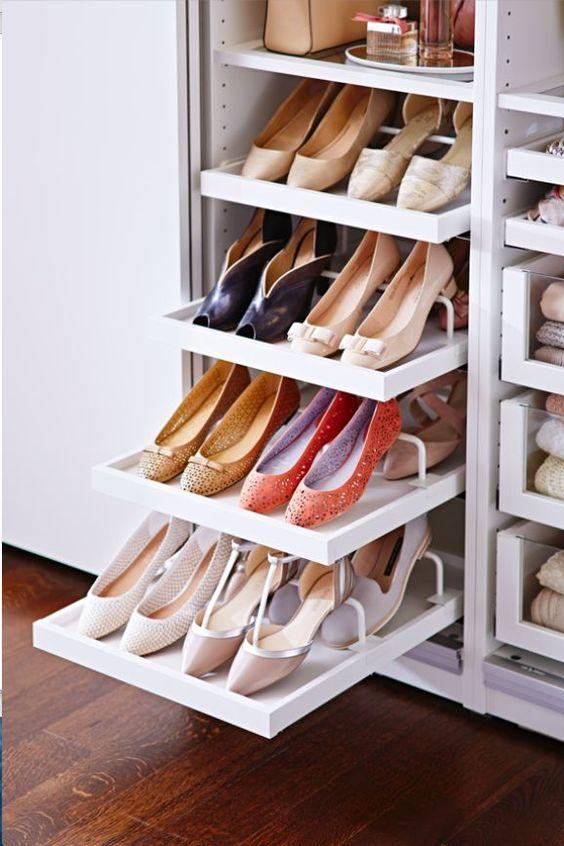 Image source http://revistalofficiel.com.br/20-closets-que-nos-inspiram/