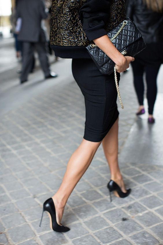 Image source http://clubfashionista.blogspot.ca/2014/09/office-chic-guide-to-finding-perfect.html
