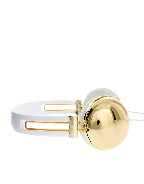 Image source : http://www.asos.com/asos/metallic-gold-headphones/prd/3067037?iid=3067037&r=2