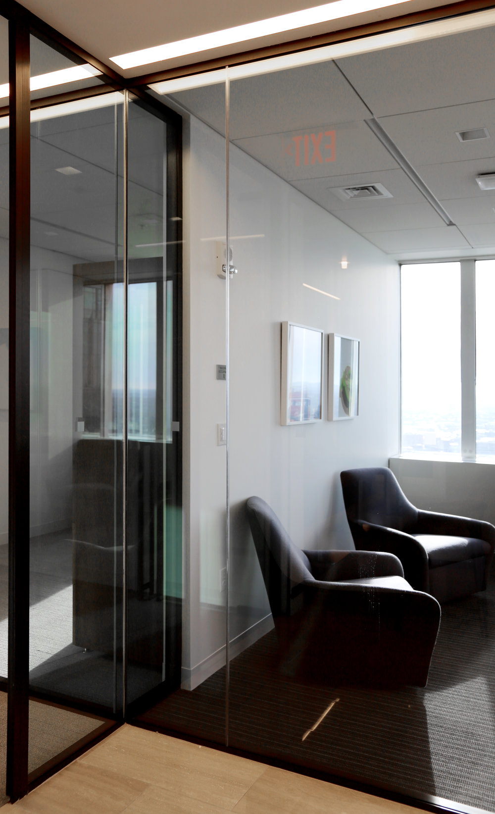 Modernus Aluminum Framed Glass Corner Condition - Spaceworks AI.jpg