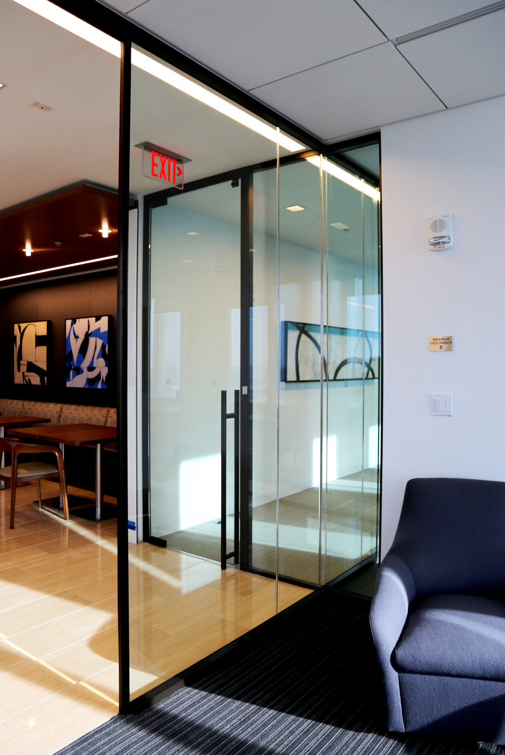 Modernus Butt Glazed Glass Huddle Room Wall - Spaceworks AI.jpg