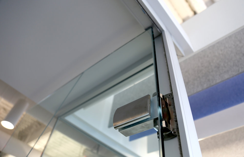 Litespace Clear Anodized Demountable Glass Door Hydraulic Hinge - Spaceworks AI.jpg