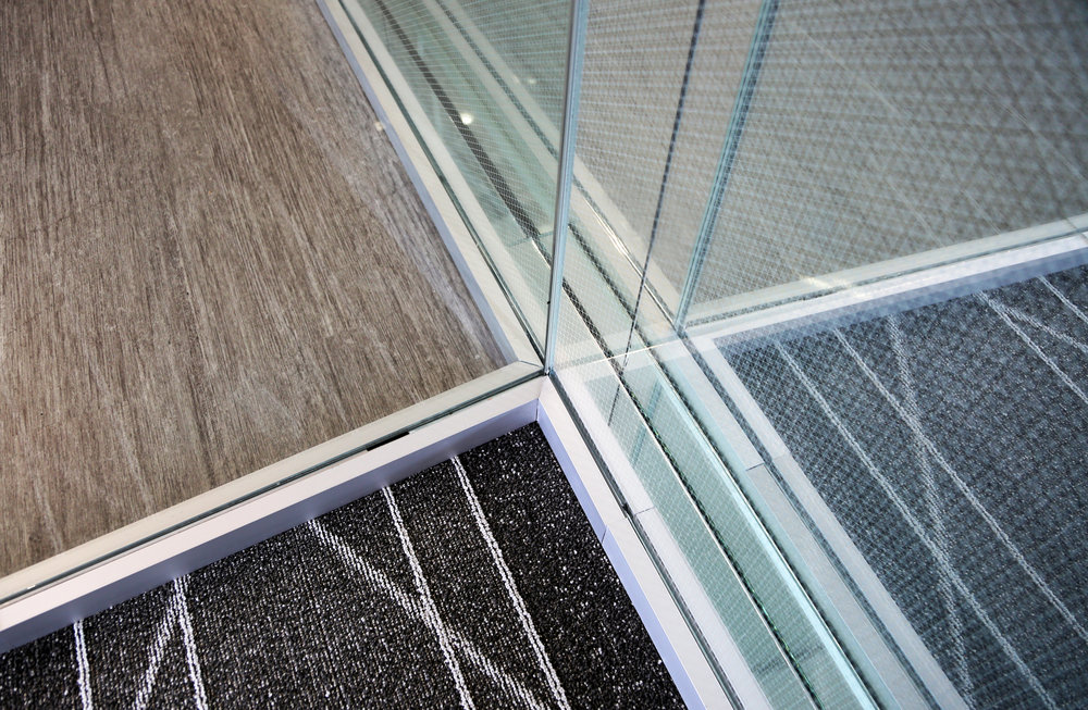 LItespace Three Way Corner Detail Specialty Glass Joint - Spaceworks AI.jpg