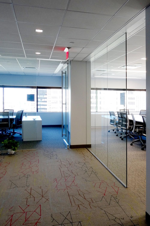 Illume Frameless Glass Conference Area - Spaceworks AI.jpg