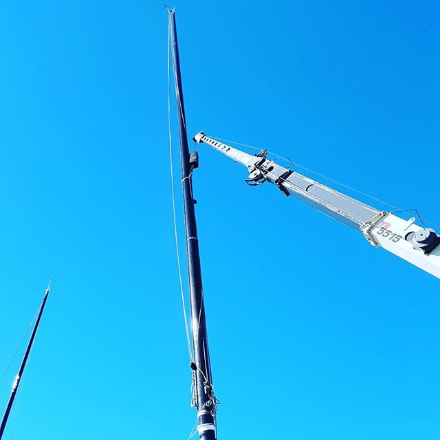 Preparing the Baylis for another great season on the water. This is our 80ft mast being craned off the boat for upkeep and our freshly cleaned engine! • • • • #charter #sfbay #sail #yachtlife #citybythebay #sailing #sailboat #sailor #sf_insta #sanfranciscobay #mysanfrancisco #pacificheights #sailingstagram #yacht #marinescience #shipspotting #lifeatsea #yachting #sailinglife #nautical #boating #microplastics #seamen #marineengineer #wyliecharters #sailthebaylis #howsfseessf #shiplife #deckcadet #sailorlife