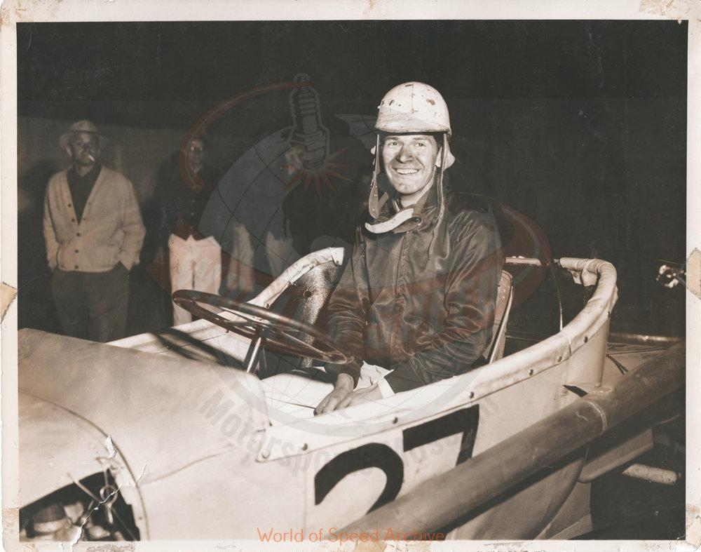 JG.01.A - Len Sutton's first race, Salem Hollywood Bowl 1950