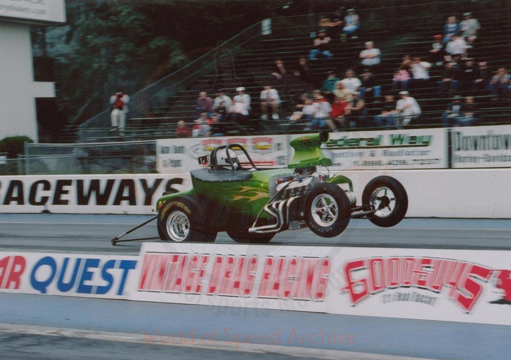 B7-S7-G1-F2-002 - vintage drag racing
