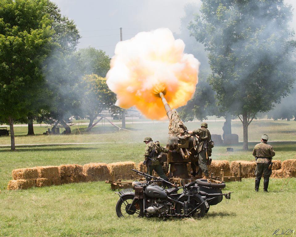 Flak-88 firing.(Photo by Rob Welton)