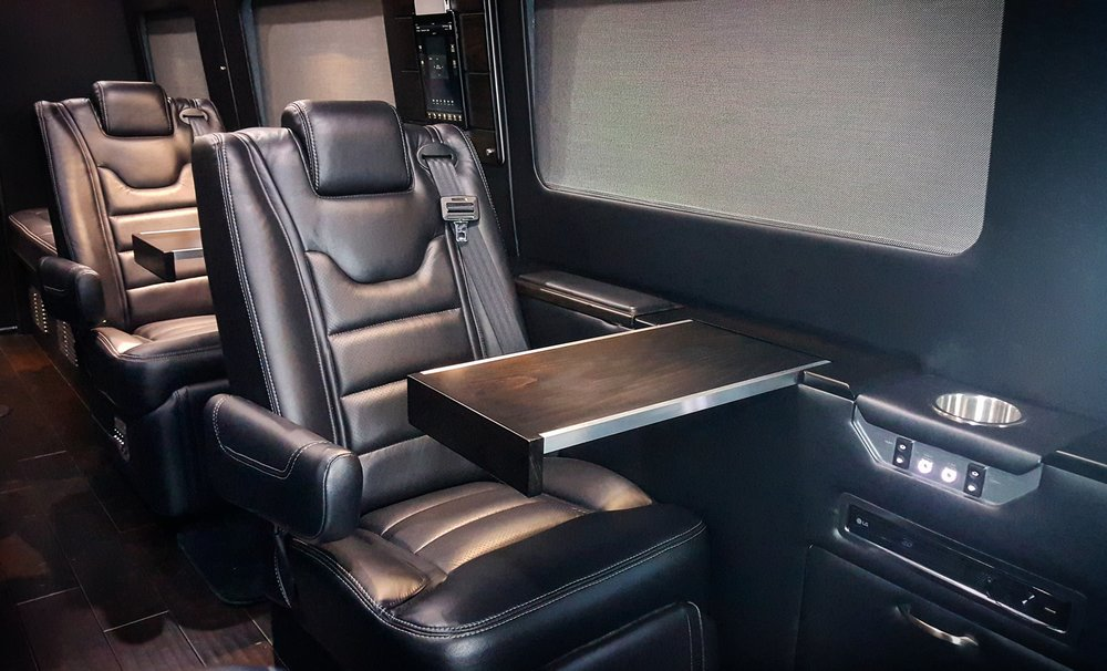 MD Travel Lounge C Sprinter with Black Ink Interior and Blackwood trim