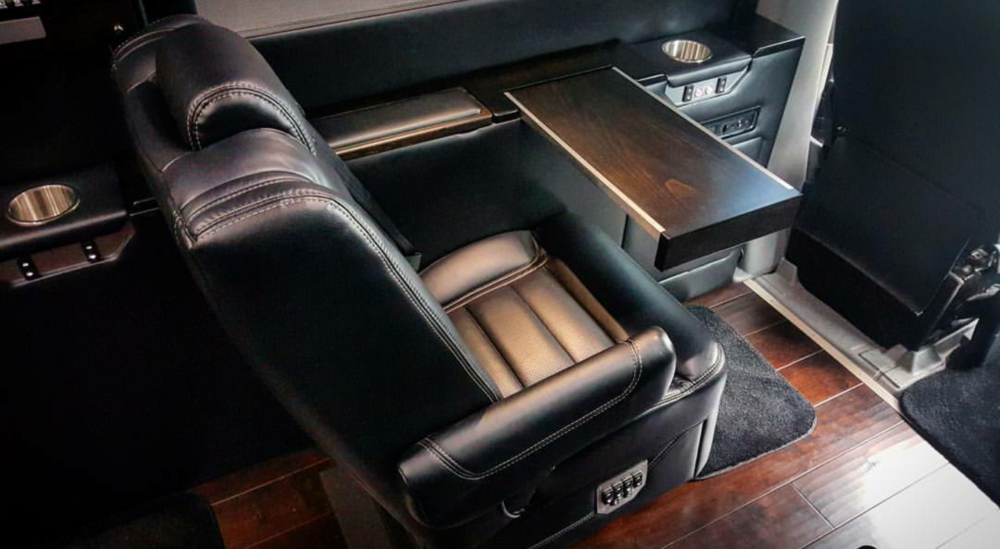 MD Travel Lounge Sprinter with Black Ink Interior and Blackwood Trim
