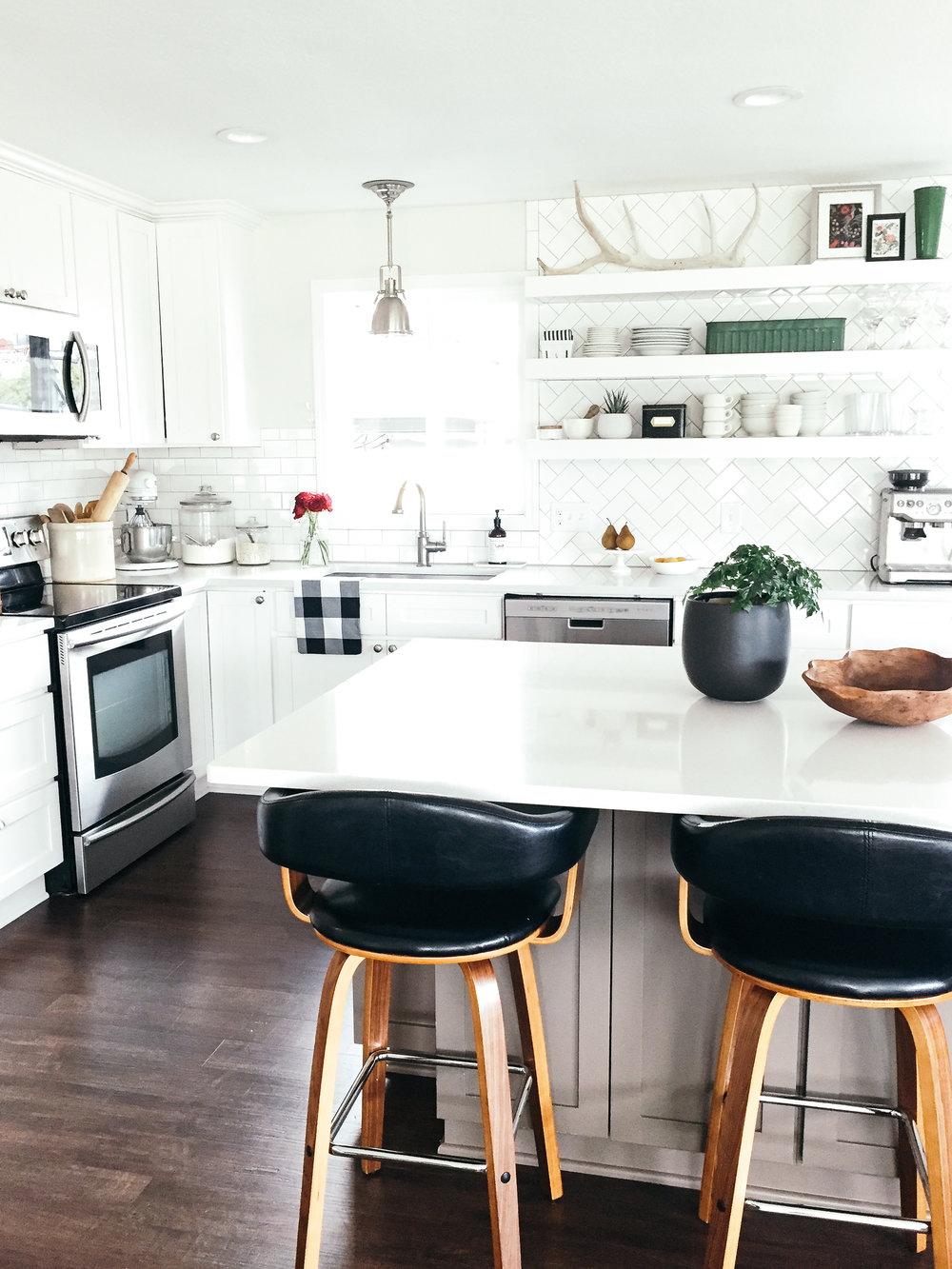 Kitchen Essentials / Functional & Stylish —