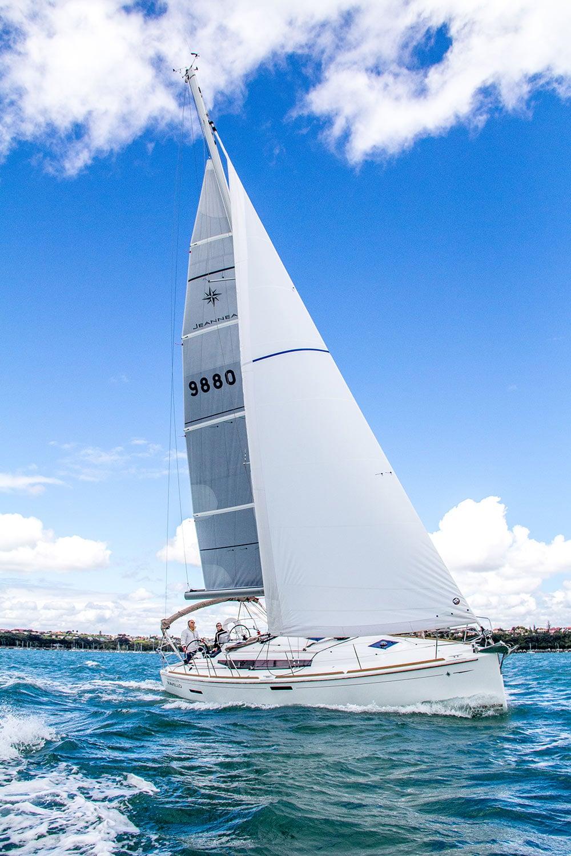 yacht_racing.jpg