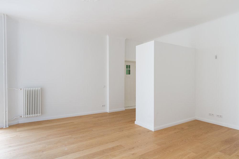 Apartment HKS2 - entrance.jpg