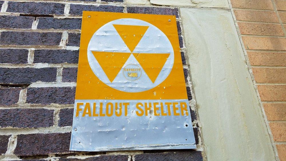 fallout-shelter-2835496_1920.jpg