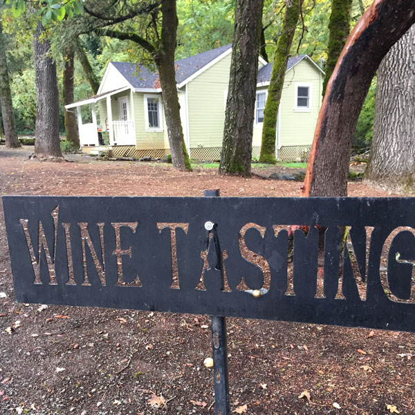 axr-winetasting.jpg