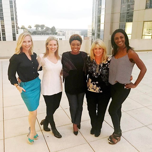 Absolutely great time tonight with some friends and the women of ATHENA Orlando ! Informative conversations and interesting talks about different lifestyles from women across different industries from different cities around the country! #investinyourself #womeninbusiness #networking #business #orlando #downtownorlando #buildingrelationships #athenaorlando