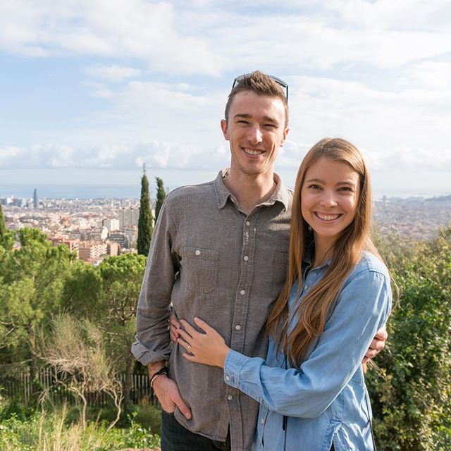 Day 170: In love with Spain. ♥️ On our last day in Barcelona, we hiked up to Park Güell. The park has a lookout point which overlooks the city and the ocean. It was super cool to see the city from high up and recognize the neighborhoods where we walked all week. #365daysoftravels