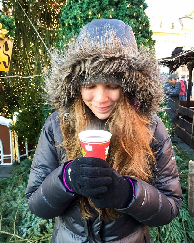 Day 187: Sipping on mulled wine. ☕️🍷 We're in Prague! It's freeeeezing here, but the city is so beautiful. We went to our first Christmas market and we are totally hooked on them now. Hot drinks, fresh pastries, roasted meats, wooden toys, tree ornaments, and so many other things to shop for. 🎄🎁 P.S. Check out @expedia's Instagram stories today! Lauren is taking over their channel to snap pics of Prague. #365daysoftravels