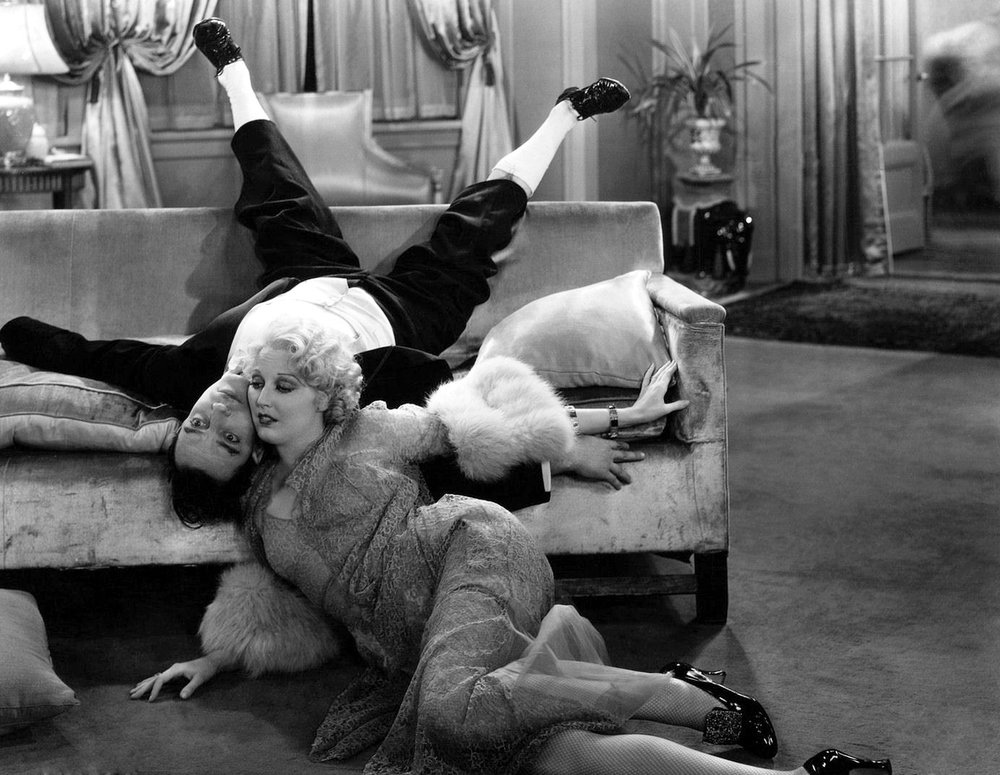 Thelma Todd and Buster Keaton in Speak Easily (1932)
