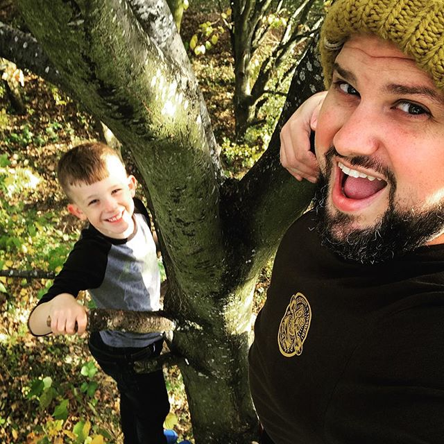 Climbing trees with the best little dude on the planet. Day off well spent :) #autumn #tree #climbing #fatherandson #cameradept #dayoff