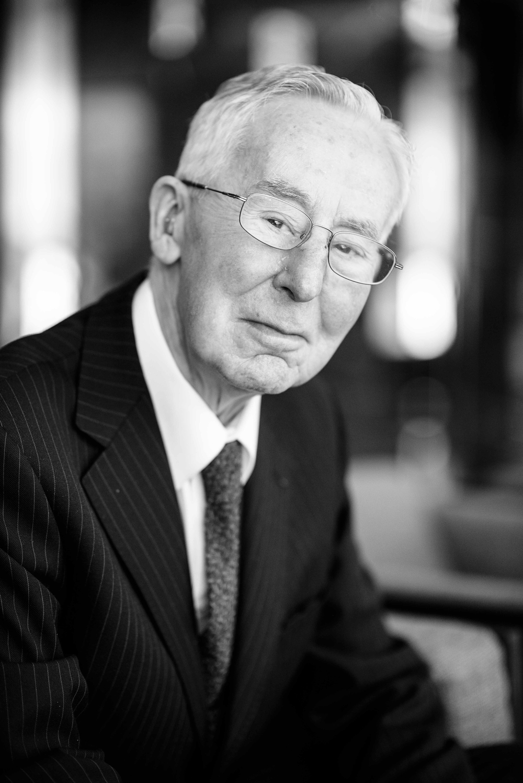 Dr Thomas P. Hardiman