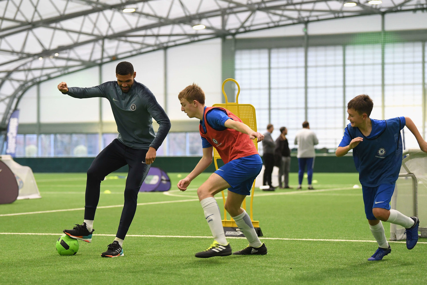 Chelsea players join us to launch Nike Football Camps with Chelsea FC  Foundation — Euro Sports Camps 937fbe381