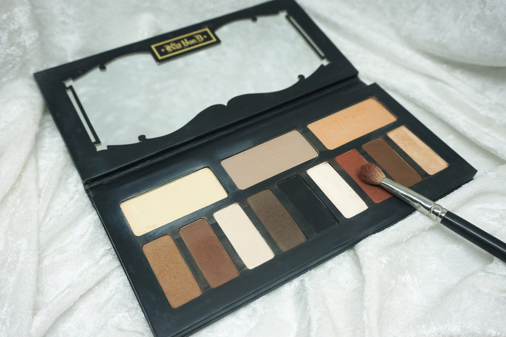 Emily Essentially | 5 Eye Shadow Palettes Every Girl Should Own | Kat Von D Shade & Light Eye Palette
