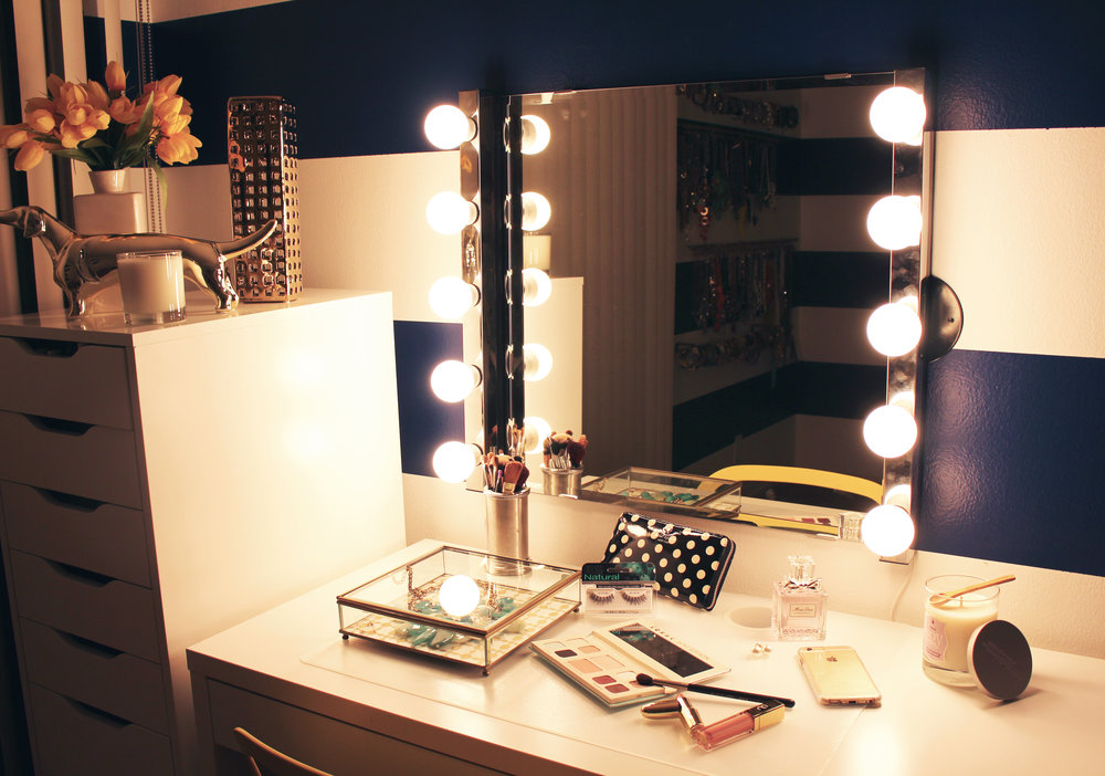 Emily Essentially | Step-by-Step Guide: Hollywood Vanity Mirror | Final Product