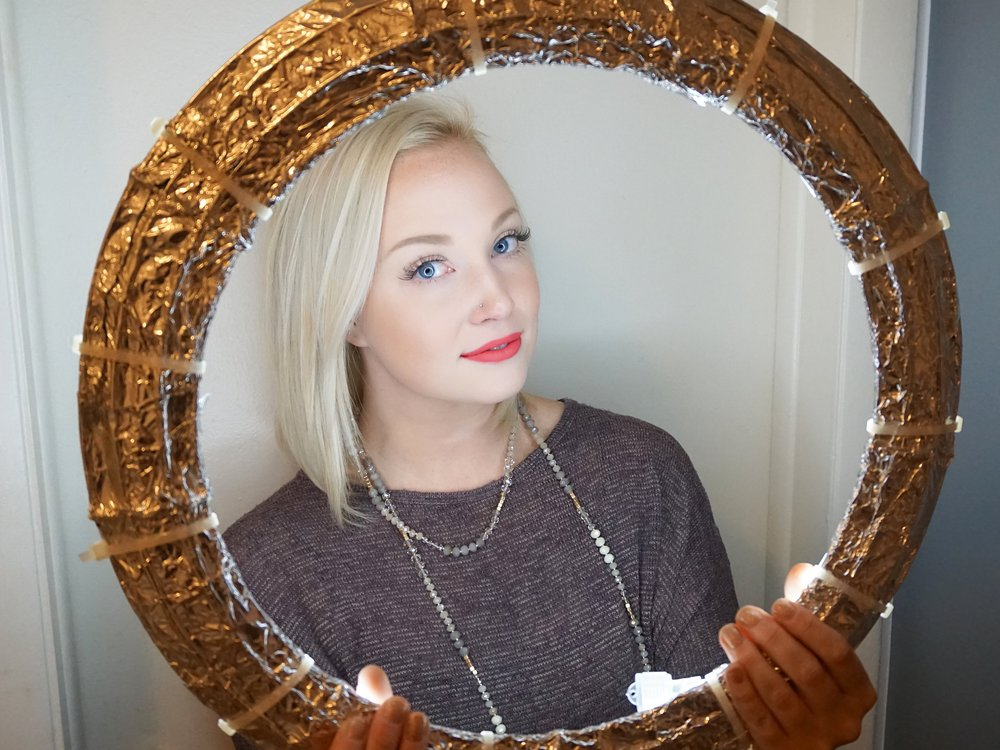 Emily Essentially | DIY | Affordable Ring Light Example