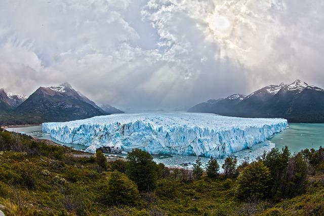 Moreno Glacier.jpg