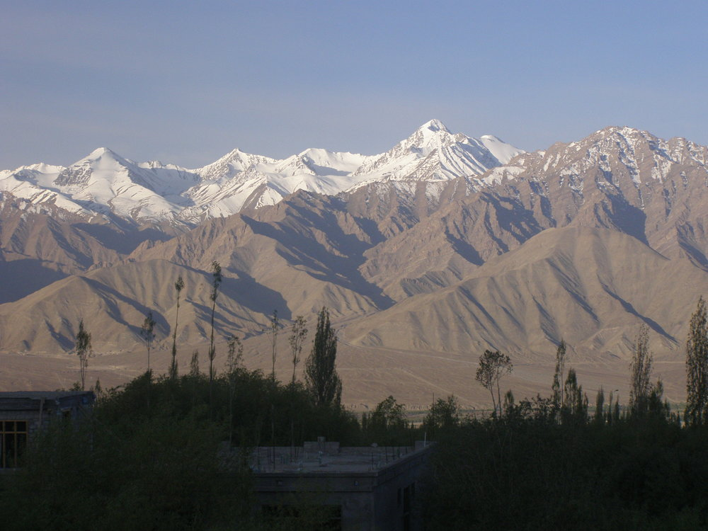 Zanskar_range_and_Stok_Kangri_from_Leh,_Ladakh_NW_India.JPG