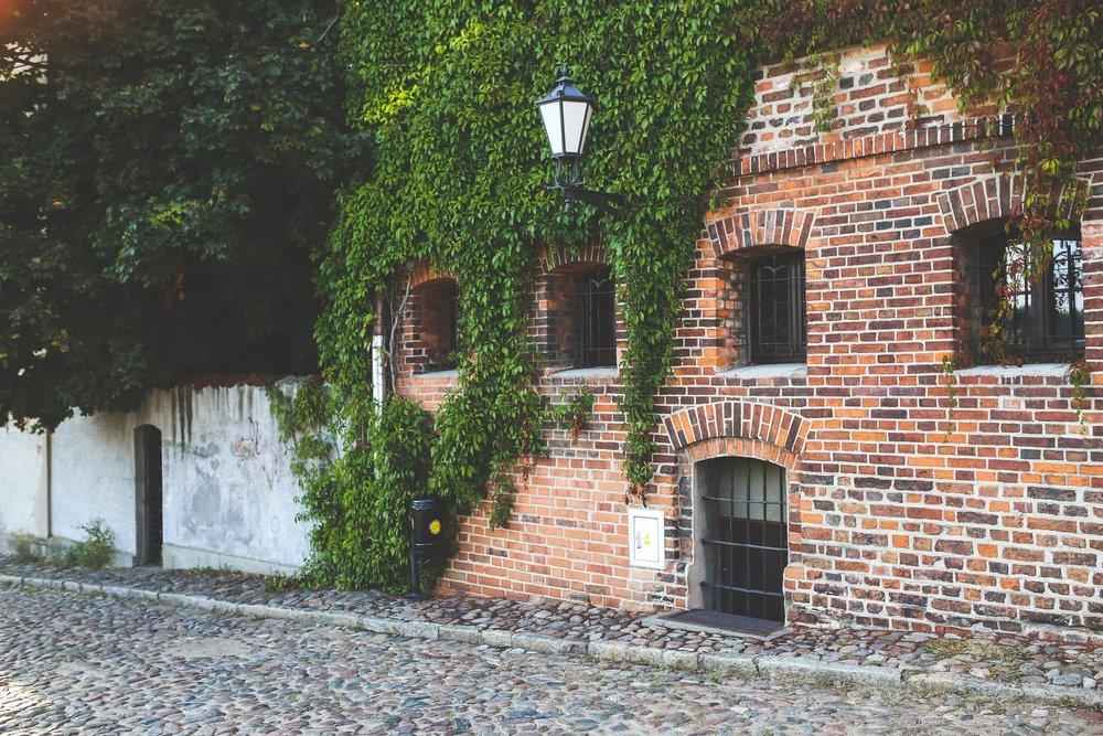 city-street-bricks-vintage.jpg