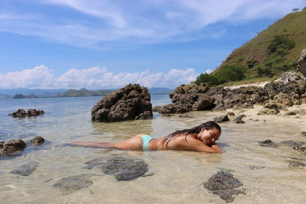 travel blog destinations labuanbajo