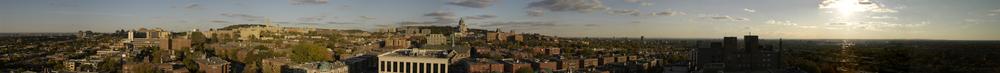Vue de l'Université Montréal  Du toit de l'Hôpital général juif •  Montréal University View  From the roof of the JGH