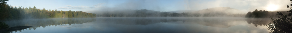 Lac Tamaracouta  Lever du soleil dans la brume  • Lake Tamaracouta  Sunrise in the mist