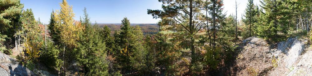 Domaine de la Rivière Perdu e Vue automnale • Autumn View