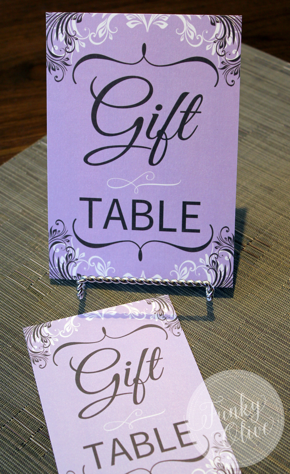GIFT TABLE SIGN.jpg