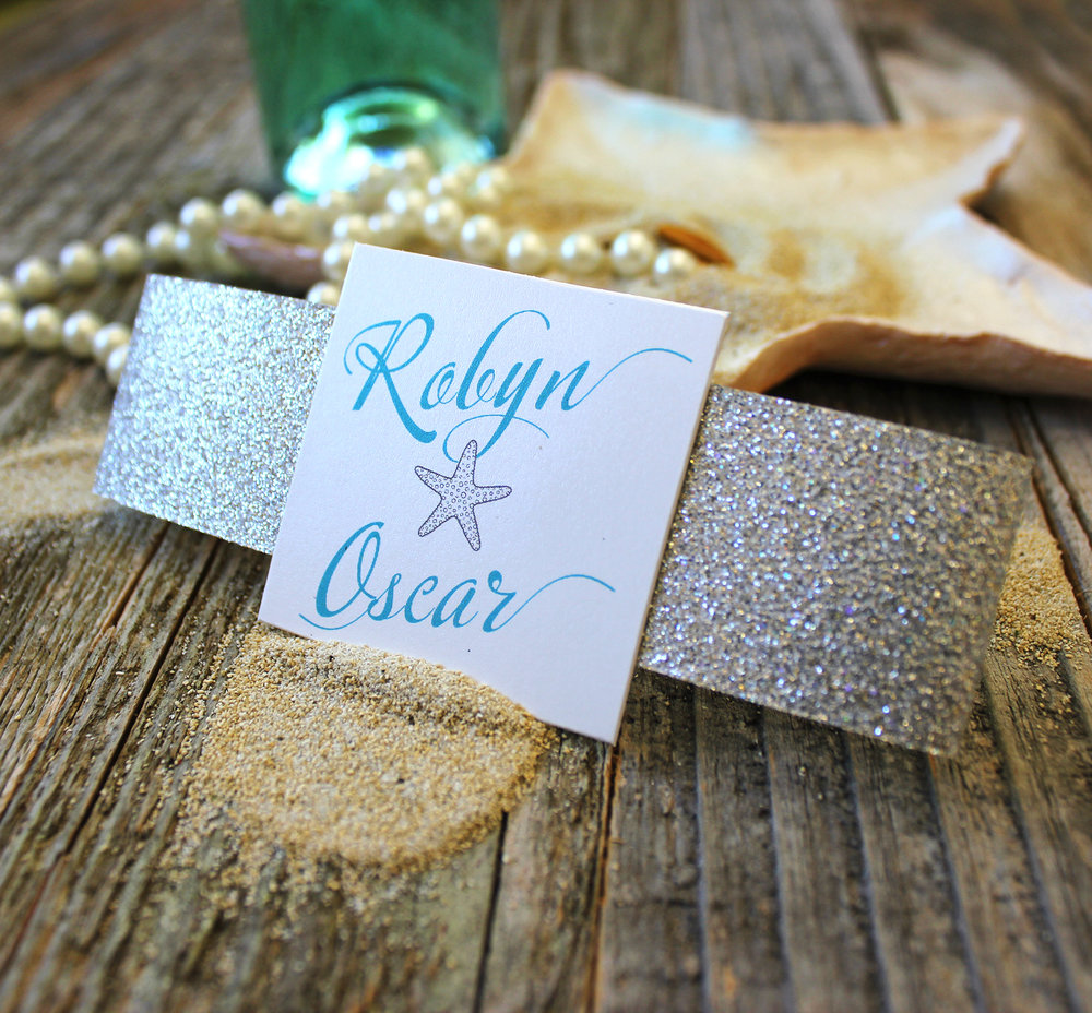Classic square cut with light gold leaf glitter band.