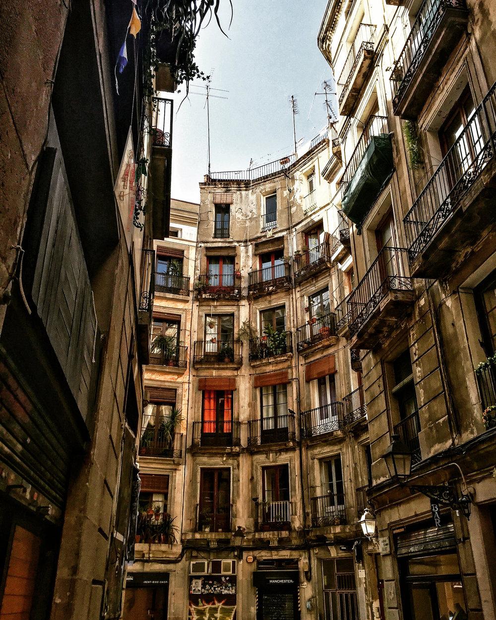 Barcelona, Spain, Europe | www.DoLessGetMoreDone.com |