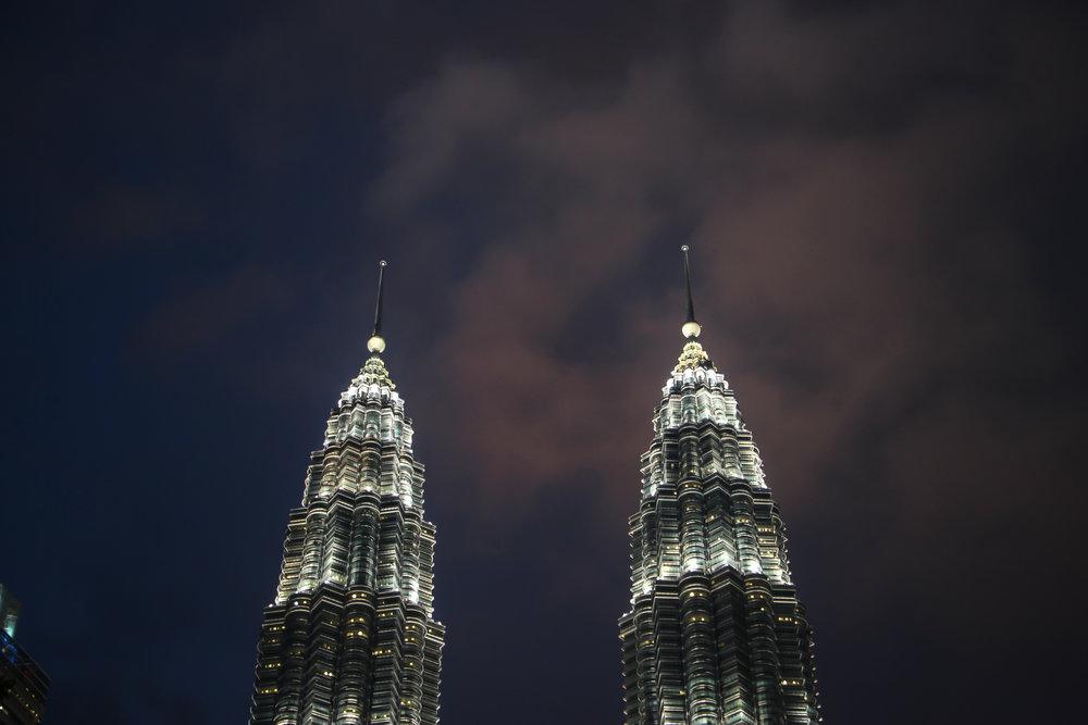 Petronas Towers, KLCC Park, Kuala Lumpur, Malaysia | DoLessGetMoreDone.com |