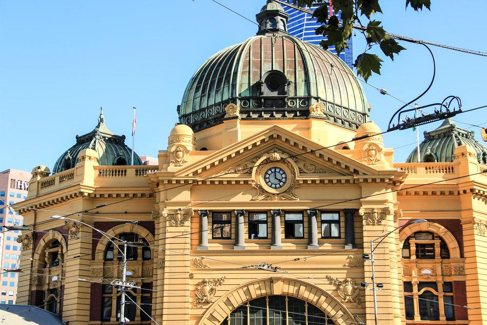 Flinders Street Railway Station, Melbourne, Australia | DoLessGetMoreDone.com |