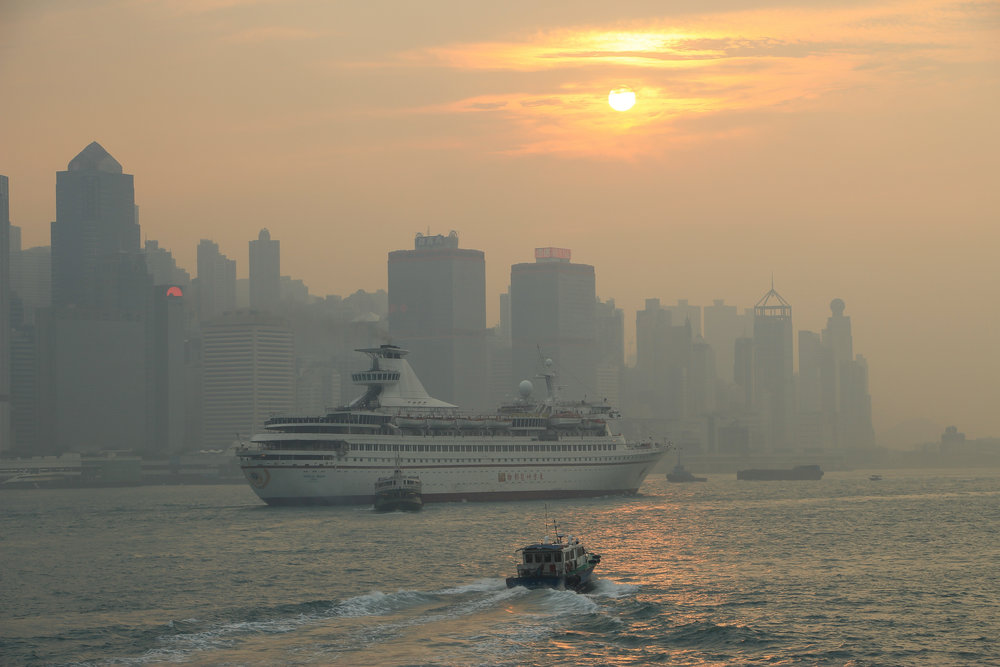 HONG KONG, HONG KONG ISLAND, SOUTH CHINA SEA, people, life, work, travel, sun, air pollution, ASIA | DOLESSGETMOREDONE.COM |