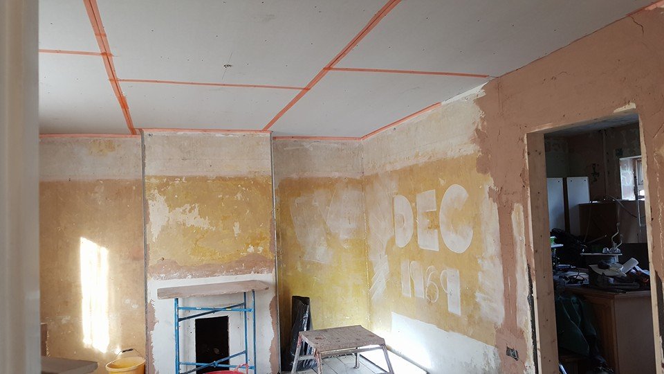 Front room ceiling plaster boarded ready for plastering