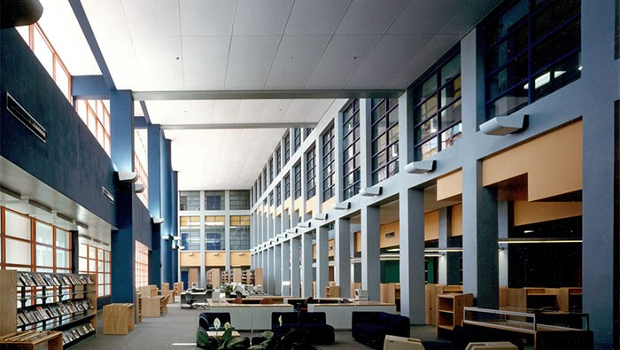Miami Dade College Homestead Campus, the largest community college in the US, which enrolls more than 180,000 students