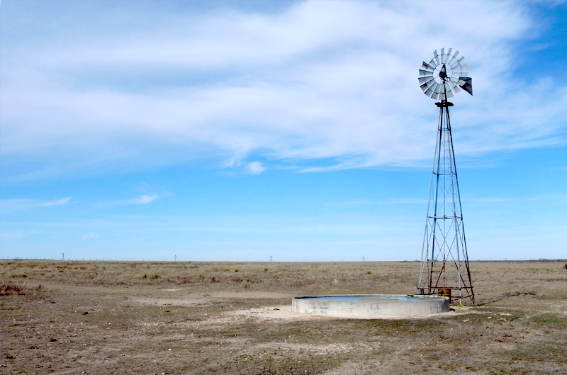 A windmill at Buffalo Lake National Wildlife Refuge pumps water from the Ogallala Aquifer. Photo via panoramio.org