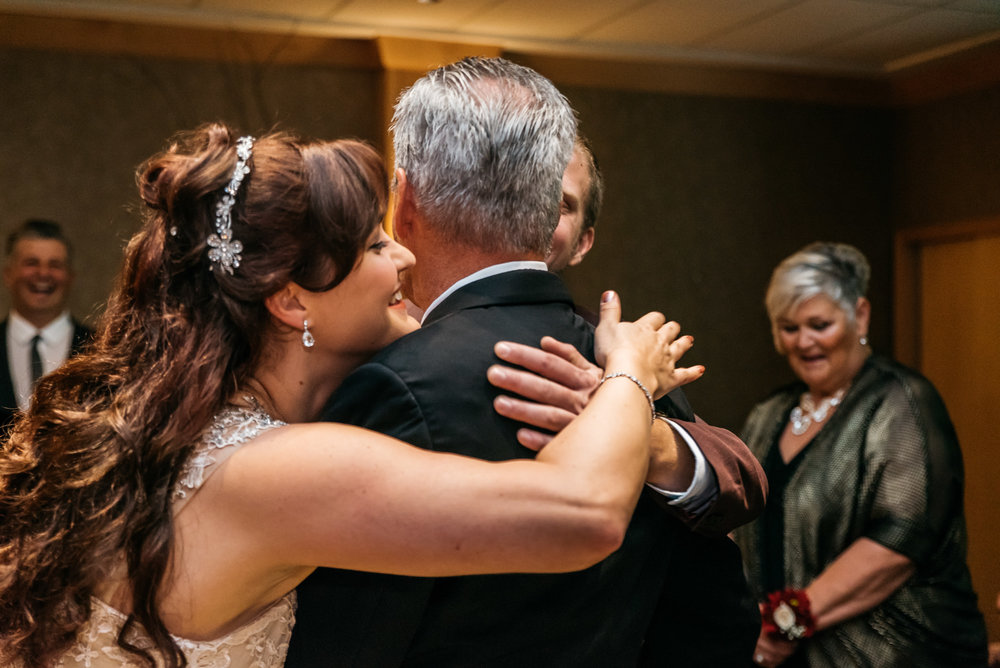 150828hollyburn_country_club_wedding_photographer11.jpg