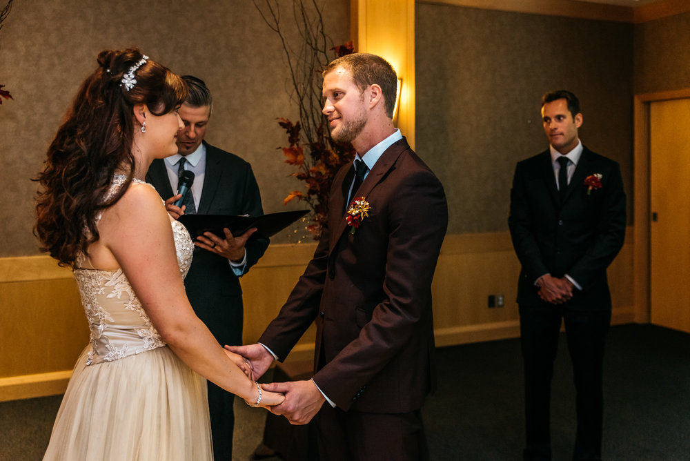 150937hollyburn_country_club_wedding_photographer15.jpg