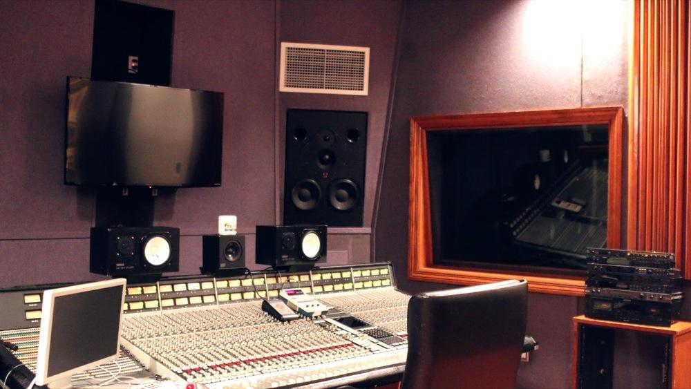 Studio %2312.jpg